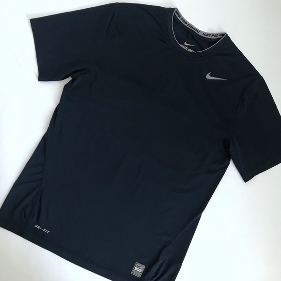 3f64e1c58 Nike Pro Combat Dri-Fit Compression Short Sleeve. M_5ac2d94185e605bd2faf4860